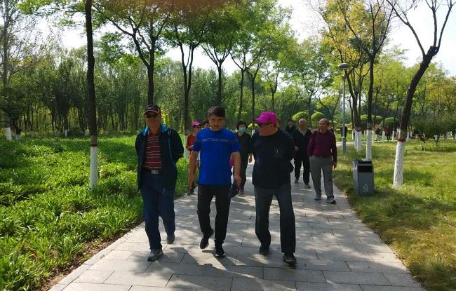民建唐山市委组织老龄会员赴迁安考察学习参观生态廊道-1.jpg